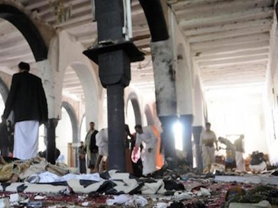 Sanaa, attacco kamikaze contro 2 moschee
