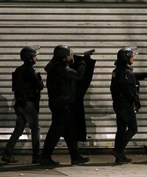 parigi-isis-denis-terroristi-20151118180907