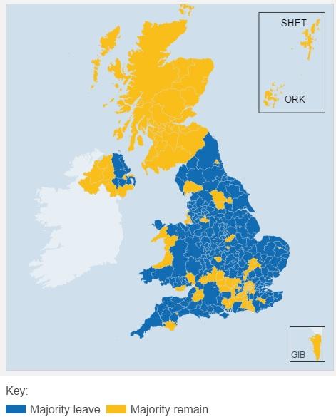 """Mappa del voto realizzata dalla BBC. In giallo """"Remain"""" in blu """"Leave""""."""