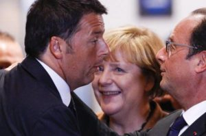 epa04945233 Italian Prime Minister Matteo Renzi  Germany (L-R), German Chancellor Angela Merkel, and French President Francois Hollande arrive at the start of an extraordinary EU Summit  on the current migration and refugees crisis in Europe, in Brussels, Belgium, 23 September 2015. EU leaders meet for an extraordinary summit on migration, with also international aid for third countries and the border protection on their agenda.  EPA/OLIVIER HOSLET