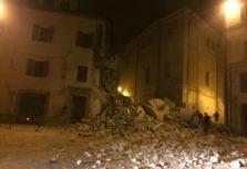 crollo_camerino_terremoto26-ottobre-300x225
