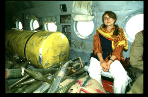 AFGHANISTAN/Cutuli/Ciriello - AFGHANISTAN, Kabul Maria Grazia Cutuli, from major italian newspaper Corriere della Sera, portrayed onboard a military MI8 chopper from the Rabbani-Massud coalition, flying to Bamiyan, in 1995. Maria Grazia Cutuli is reported missing after the convoy she was travelling in, from Jalalabad to Kabul, has been attacked by Taleban forces, on Monday 19th, 2001.  Copyright A. Raffaele Ciriello GSM mobile +39 338 6336848 http://www.ciriello.com ciri@planet.it - Fotografo: A. Raffaele Ciriello