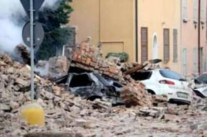 Terremoto Emilia. 16 morti e un disperso. A crollare ancora capannoni industriali