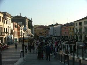 Il presidio a Venezia, gli attentati di oggi e quelli del passato