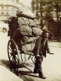 """Eugène Atget. L'artigiano che immortalò la """"Vieux Paris"""""""