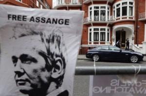 Processo Assange, una vittoria parziale e precaria