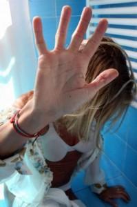 La tutela (saltata) di una giovane donna vittima di stupro di gruppo