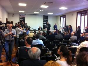 """La redazione di """"Presa Diretta"""" riceve da Daniele Cerrato premio Giuntella per la libertà di stampa"""