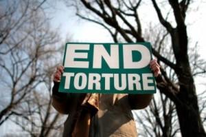 Reato di tortura, un quarto di secolo di ritardo non è ancora abbastanza?