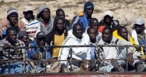 """Francesco lunedì a Lampedusa, l'informazione non si limiti a fareun """"santino"""" del Papa buono"""