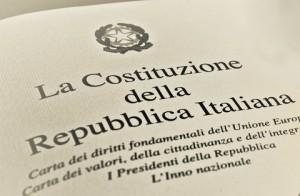 """Costituzione: riforme, non """"sbreghi"""""""