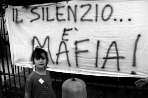 Prima sconfiggiamo la mafia dentro di noi…