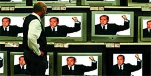 Berlusconi, un resistibile videomessaggio