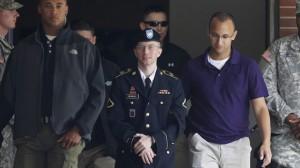 """Ben scavato vecchia talpa! Perché abbiamo bisogno dei """"traditori"""" come Manning"""