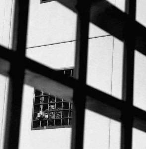 Carceri e giustizia, questioni dimenticate