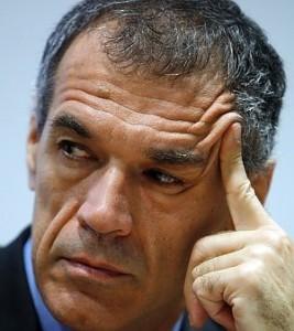 Cottarelli vende le sedi regionali Rai… contro la legge!