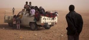 Niger, 92 migranti morti nel deserto. Bandiere a mezz'asta nella capitale Niamey