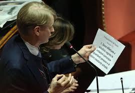 """La Casellati e Malan sui senatori a vita: """"Non hanno meriti sufficienti"""". Ma candidarono quello che oggi è un pregiudicato per il Nobel per la Pace"""