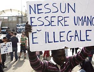 La clandestinità è illecito amministrativo! Ora a quando una legge sull'immigrazione degna di un paese civile?