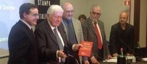 Sergio Zavoli e Valerio Cataldi premiati all'assemblea di Articolo21