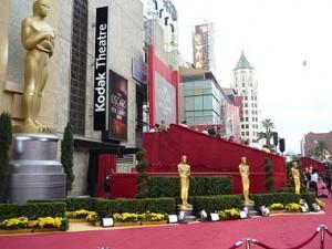 """Premi Oscar 2014. O per soldi o per denaro. Cosa significa aggiudicarsi un'ambita statuetta. Tutti """"idoli"""", ma in controluce"""