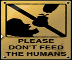 Do not feed humans (I Tg di giovedì 24 aprile)