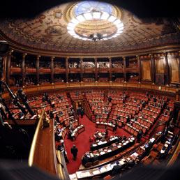 Se questo non è autoritarismo: snaturare il Parlamento fra legge elettorale e riforma del Senato