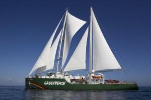 Greenpeace: arriva in Italia per la prima volta la nuova Rainbow Warrior