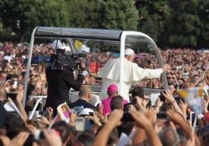 La lezione di Papa Francesco alla Terra dei fuochi