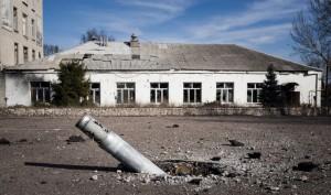 """L'Ucraina un anno dopo piazza Maidan, """"qui si continua a combattere"""". Intervista al fotografo Luca Piergiovanni"""