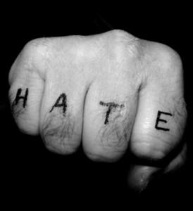 #NoHateSpeech. Bloccare i discorsi che incitano all'odio è un dovere professionale