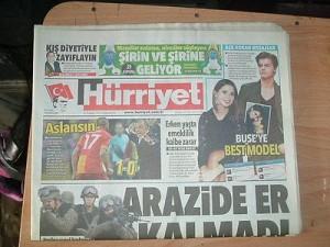 Turchia, sede del quotidiano Hürriyet (Libertà)  presa d'assalto due volte in tre giorni