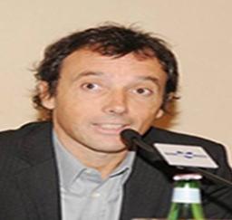 Il lavoro del cronista Coletti disturbi gli affari criminali