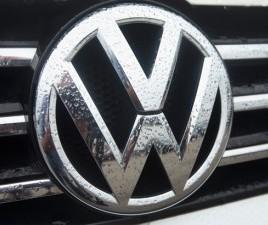 Inquinano di più i mass-media o i motori truccati della Volskwagen?