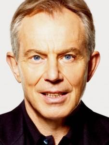 Guerra in Iraq, le scuse (con lieve ritardo) di Blair