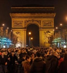 """Cop21, attacco terrorista ed elezioni regionali. Parigi in """"stato d'assedio"""" torna a vivere"""