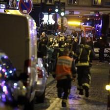 Gli attentati di Parigi e il ruolo dei media: giornalismo o intrattenimento?