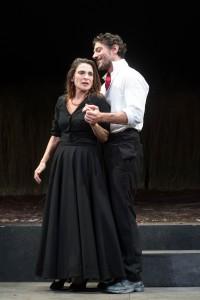 """""""La lupa"""" di Varga. Protagonista Lina Sastri, Regia di Guglielmo Ferro- Teatro Quirino di Rom"""