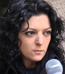 """""""Non mi sento una eroina. Voglio solo guardarmi allo specchio e dire """"io ho fatto il mio"""". Intervista a Alessia Candito"""