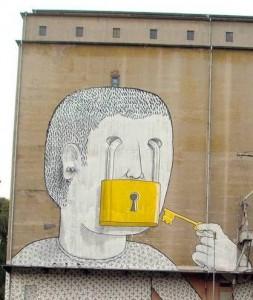 """Il """"caso Blu"""" e la street art che si fa politica"""