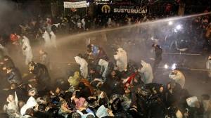 Turchia: blitz nella sede del quotidiano Zaman. Erdogan prova a zittire con la forza la stampa libera