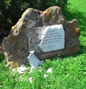 Danneggiato il monumento a Pier Paolo Pasolini