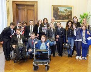 Il Presidente del Senato Pietro Grasso incontra gli allievi diversamente abili e normodotati dell'Accademia l'Arte nel Cuore Onlus