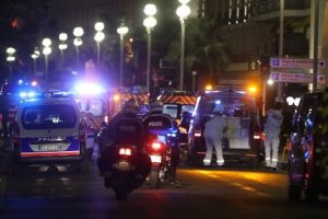 Strage di Nizza: giustiziati senza tregua da chi regna sul dolore