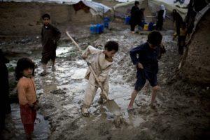 """Afghanistan: Save the Children chiede maggiore protezione per i bambini, """"sono un terzo delle vittime civili nel Paese"""""""