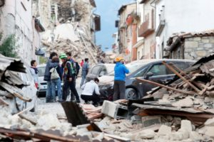 Terremoto, i troppi sciacalli dell'informazione