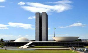 Il Brasile in piazza e in Parlamento