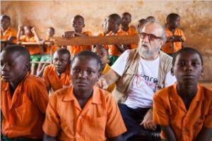 20/11 Giornata Mondiale Infanzia. Giobbe Covatta nel Parlamento dei bambini in Kenya
