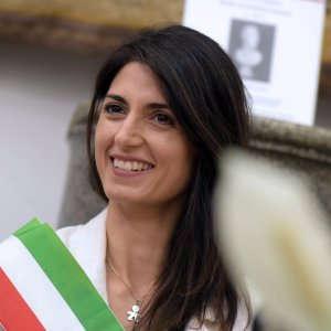"""Roma, la giunta Raggi vuole imbavagliare i giornalisti. Fnsi: """"Pericoloso tentativo, ci opporremo"""""""