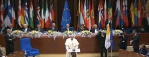 """L'Europa """"risvegliata"""" dal Papa che viene dalla fine del mondo"""